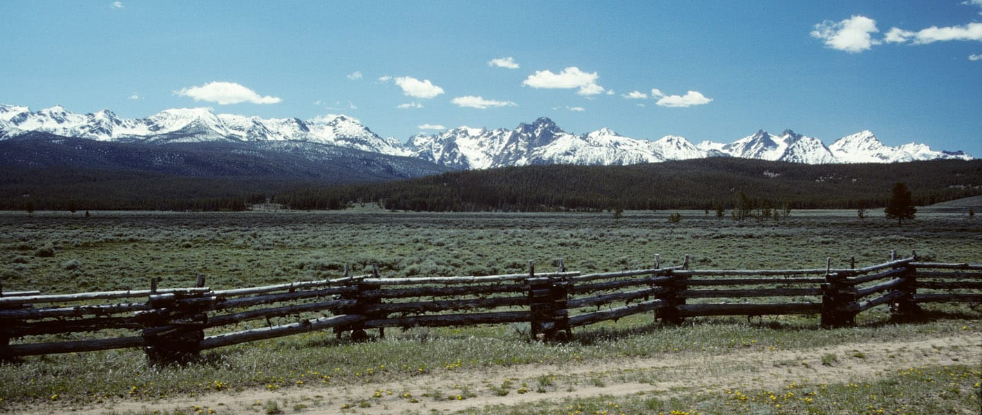 Sawtooth-panorama-fence-web