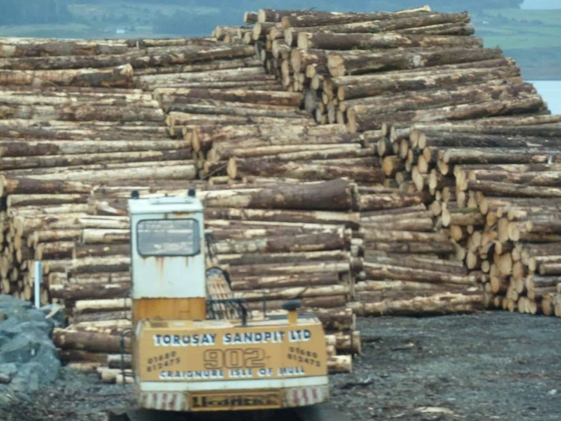 Log deck to be loaded on a barge.
